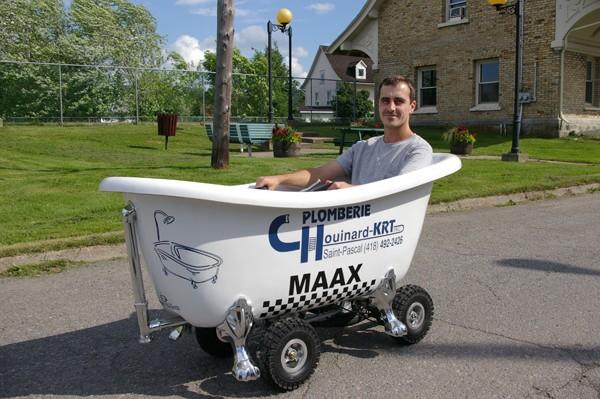 Plomberie Chouinard veut remporter la 1re course de toilettes motorisées