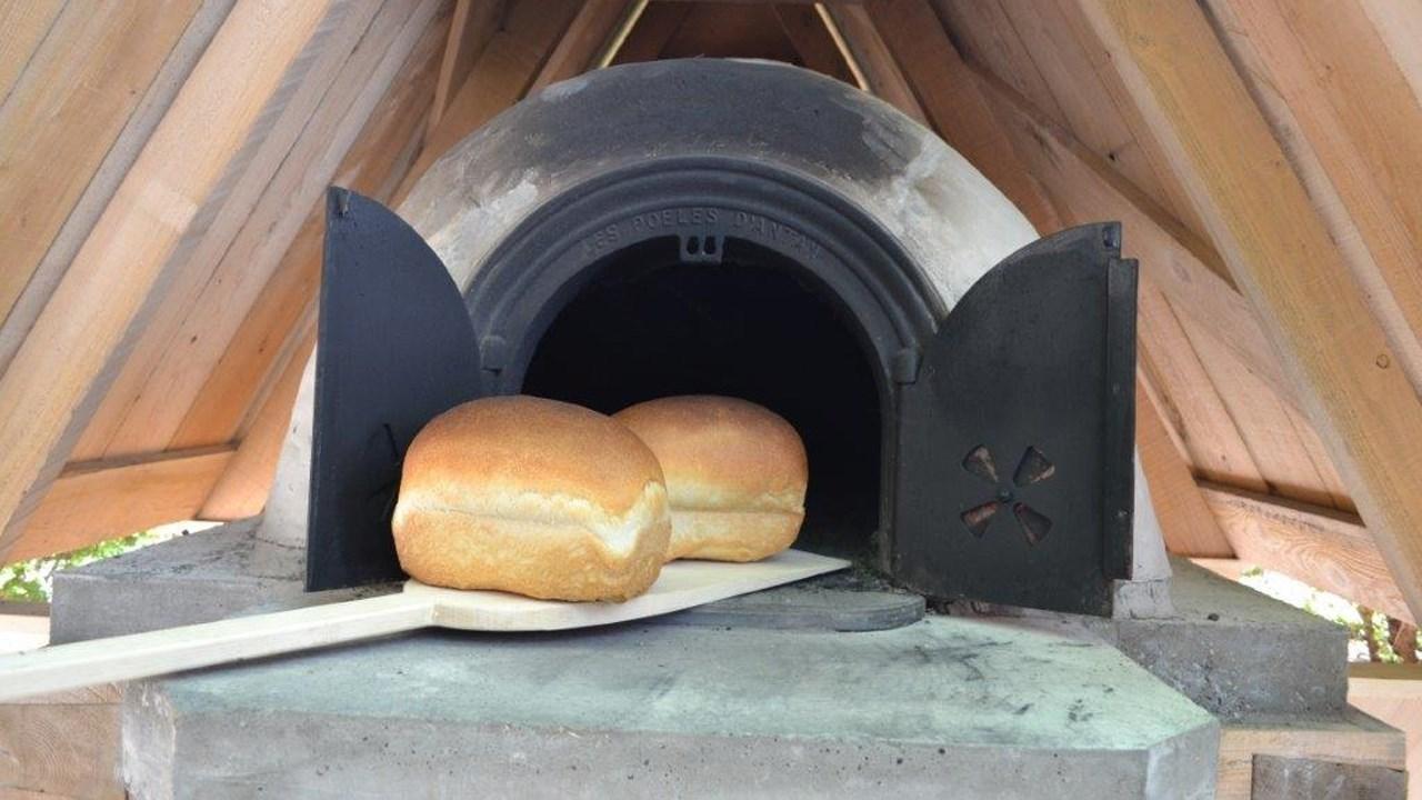 La construction du four pain est termin e le placoteux for Four a pain construction