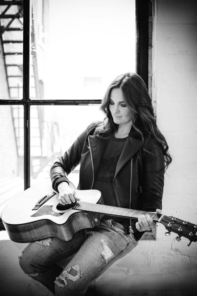 Sophie Pelletier : plus pop et plus engagée