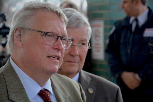 Le peu de crédibilité envers le ministre Barrette: confirmé