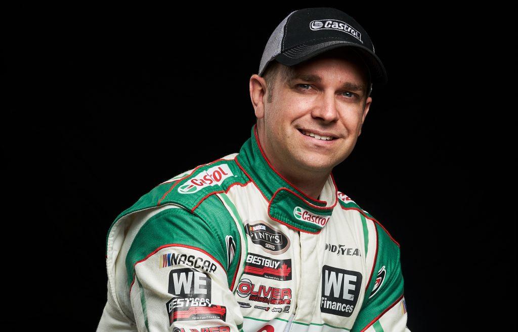 Simon Dion-Viens en piste au Grand Prix de Trois-Rivières avec l'équipe Jacombs Racing