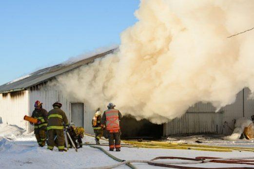 Dommages majeurs suite à l'incendie d'un garage agricole