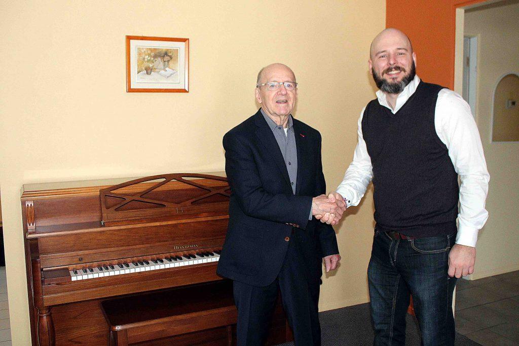 L'École Destroismaisons reçoit un piano en don