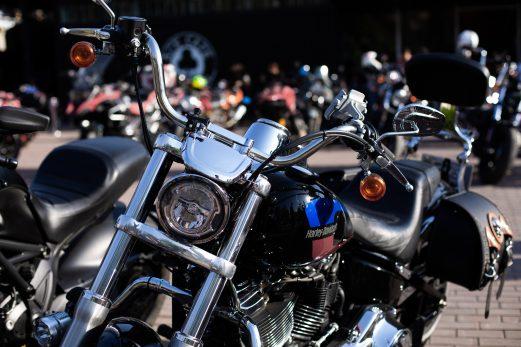 Enthousiastes de la moto : quelles sont vos obligations?
